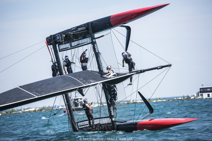 capsizes-at-2016-Chicago-Americas-Cup-on-June-10-6