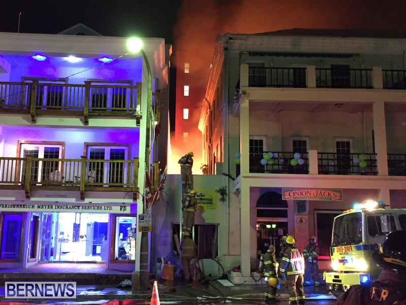 Fire-on-Front-Street-Bermuda-July-2016-2-4