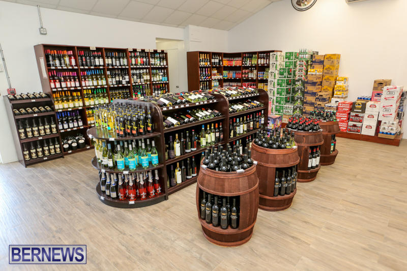 Haywards-Liquor-Store-Bermuda-July-9-2016-10