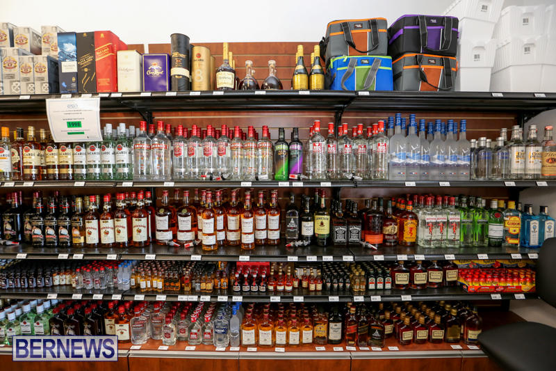 Haywards-Liquor-Store-Bermuda-July-9-2016-14