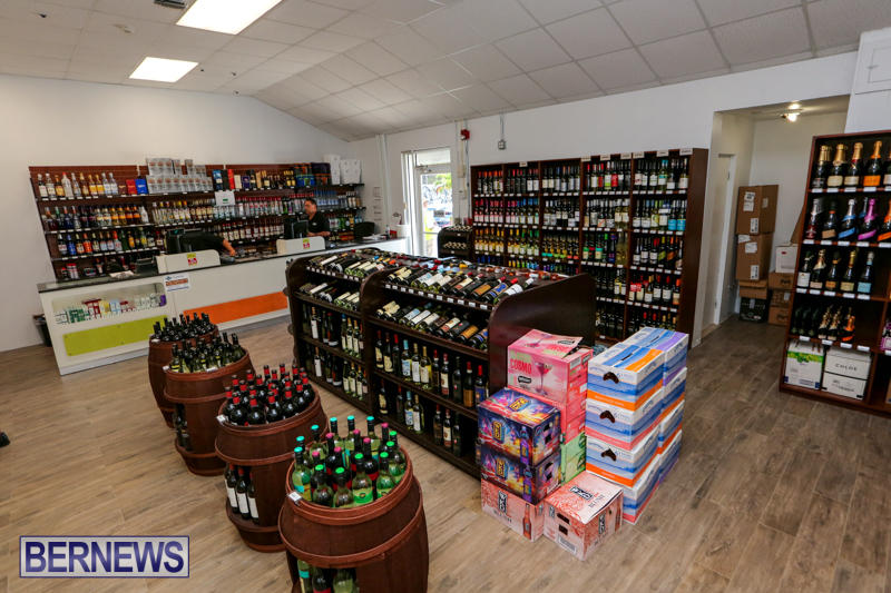 Haywards-Liquor-Store-Bermuda-July-9-2016-2