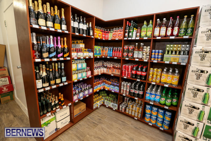 Haywards-Liquor-Store-Bermuda-July-9-2016-6