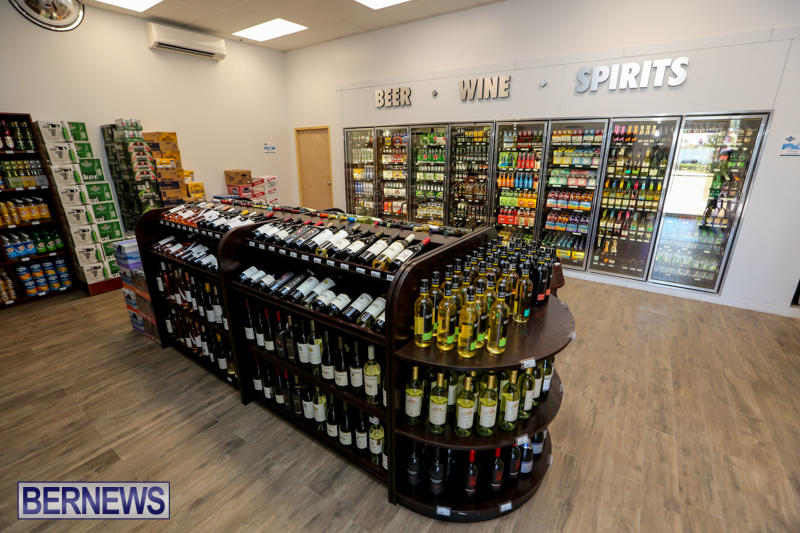 Haywards-Liquor-Store-Bermuda-July-9-2016-8
