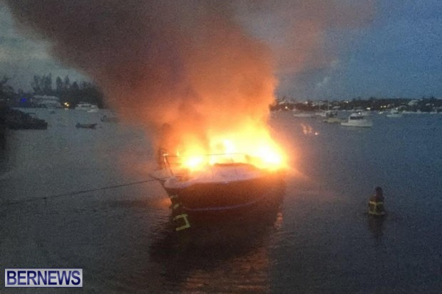 Boat Fire In Sandys Bermuda August 21 2016  (5)