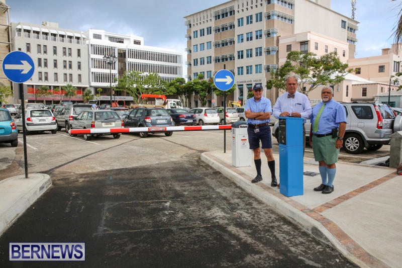City-Hall-Parking-Lot-Bermuda-August-16-2016-14