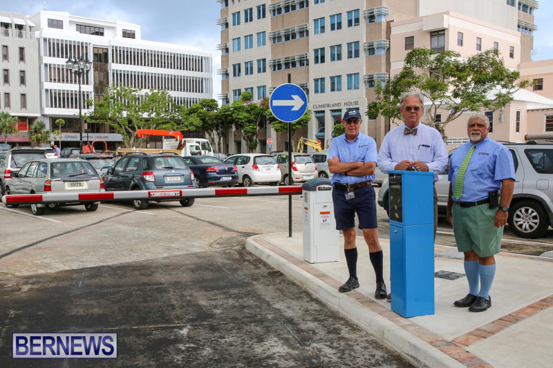 City-Hall-Parking-Lot-Bermuda-August-16-2016-15