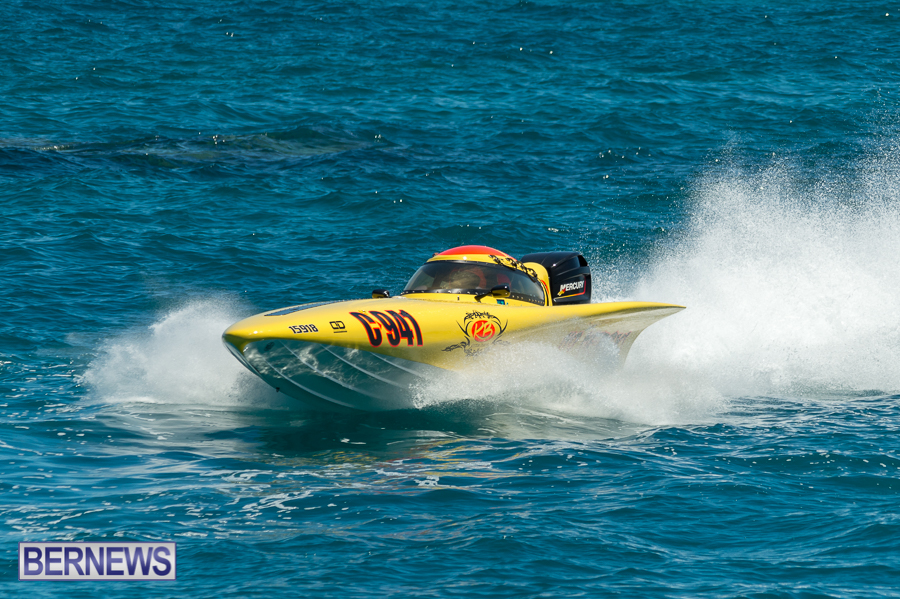 JM-2016-Around-the-Island-powerboat-race-12