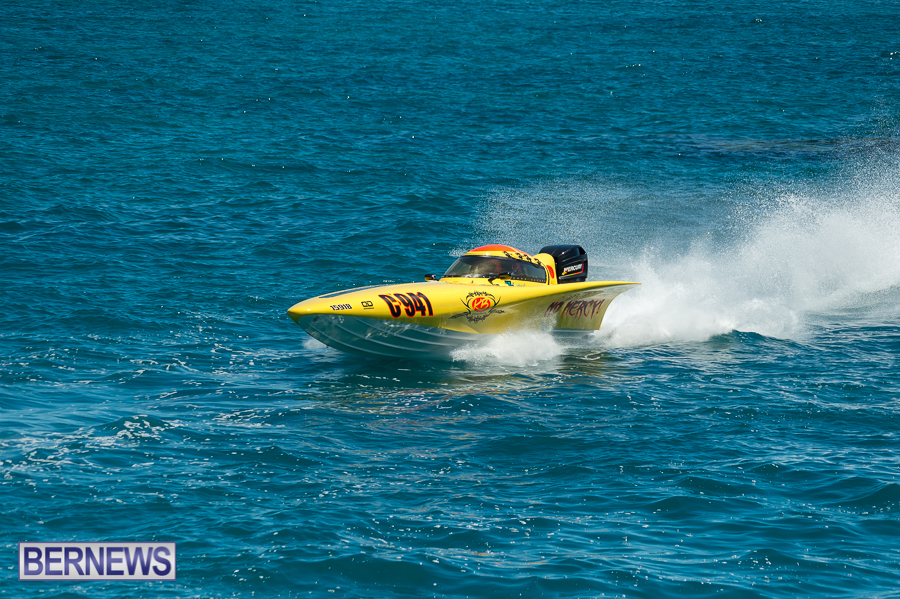 JM-2016-Around-the-Island-powerboat-race-14