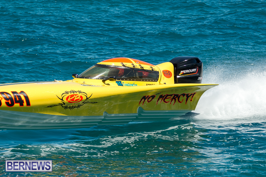 JM-2016-Around-the-Island-powerboat-race-17