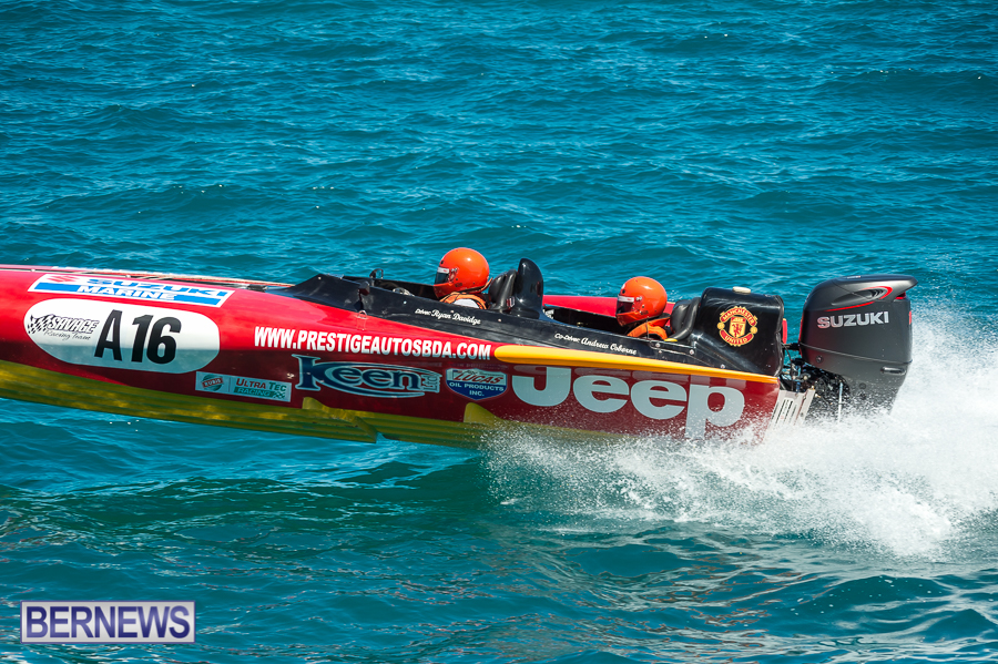 JM-2016-Around-the-Island-powerboat-race-2