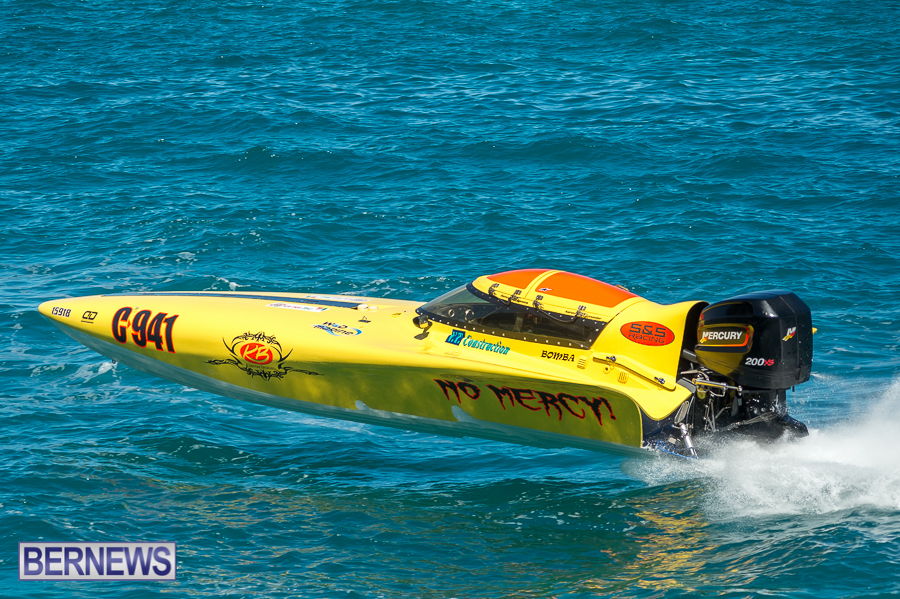 JM-2016-Around-the-Island-powerboat-race-21