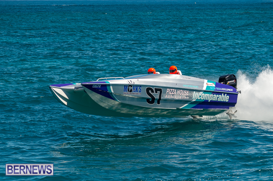JM-2016-Around-the-Island-powerboat-race-230