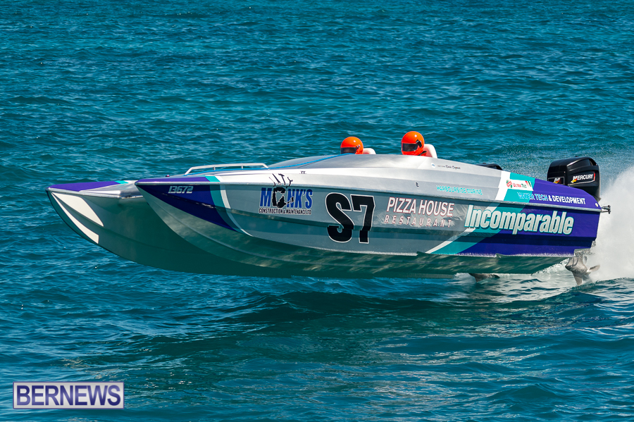 JM-2016-Around-the-Island-powerboat-race-231