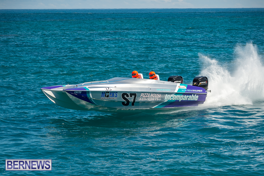 JM-2016-Around-the-Island-powerboat-race-232