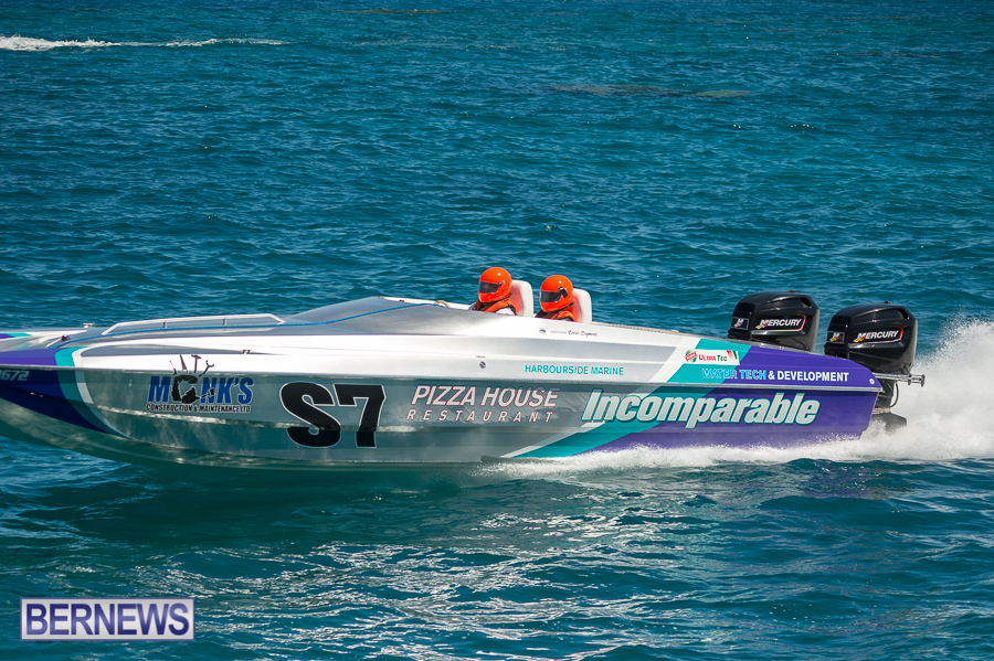 JM-2016-Around-the-Island-powerboat-race-233