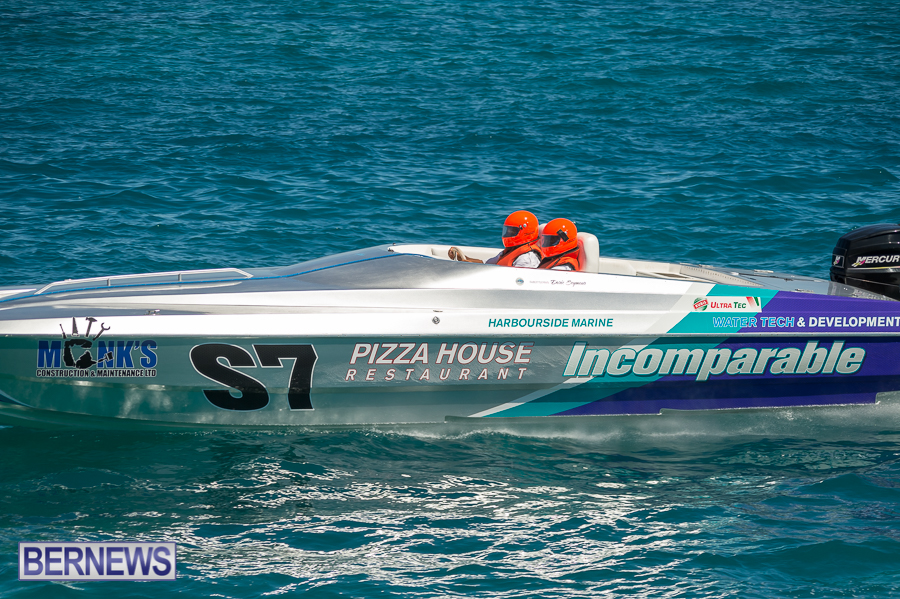 JM-2016-Around-the-Island-powerboat-race-236