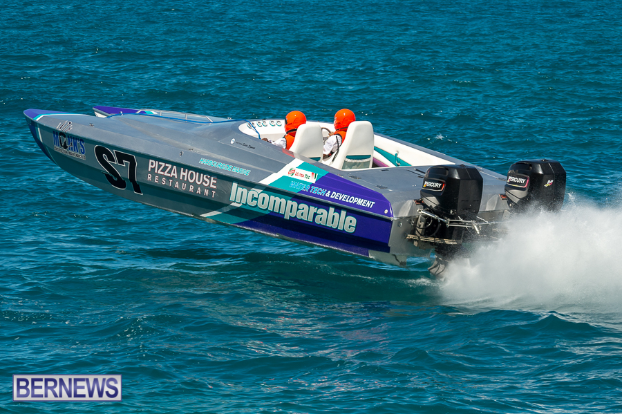 JM-2016-Around-the-Island-powerboat-race-244