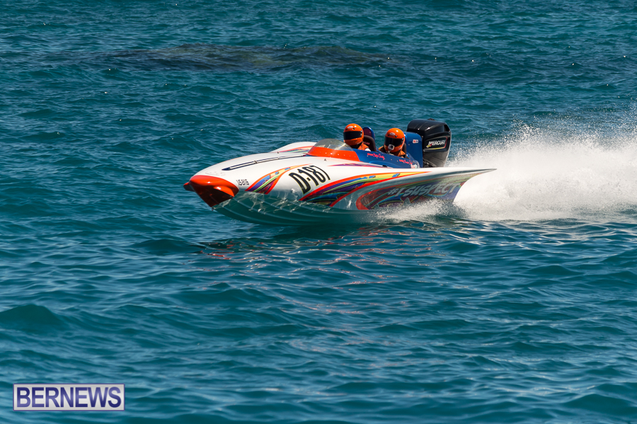 JM-2016-Around-the-Island-powerboat-race-250