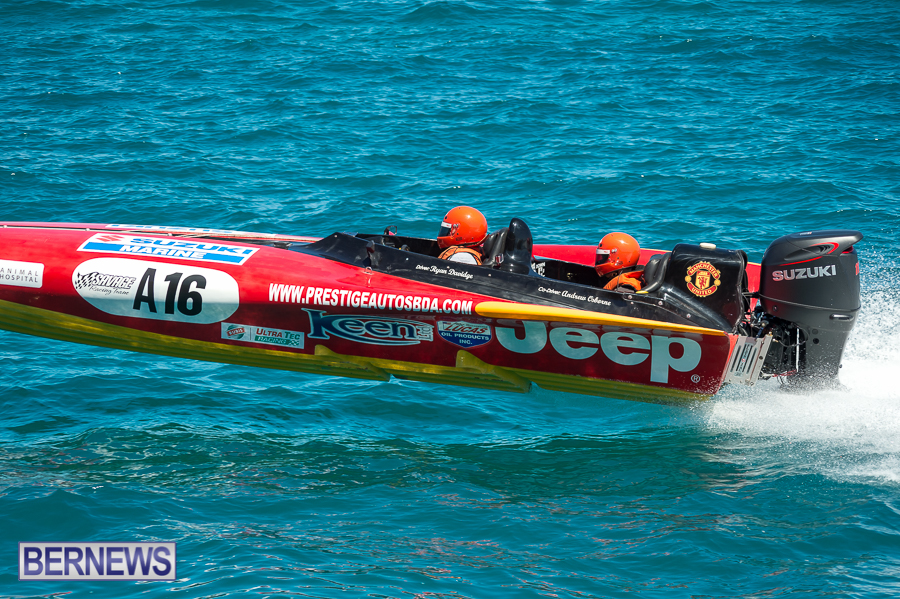 JM-2016-Around-the-Island-powerboat-race-3