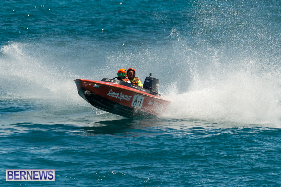 JM-2016-Around-the-Island-powerboat-race-34