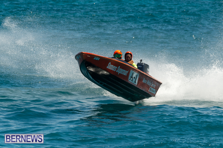 JM-2016-Around-the-Island-powerboat-race-35