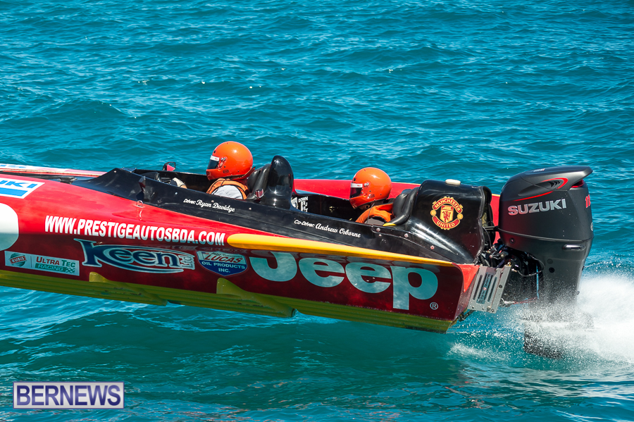 JM-2016-Around-the-Island-powerboat-race-4