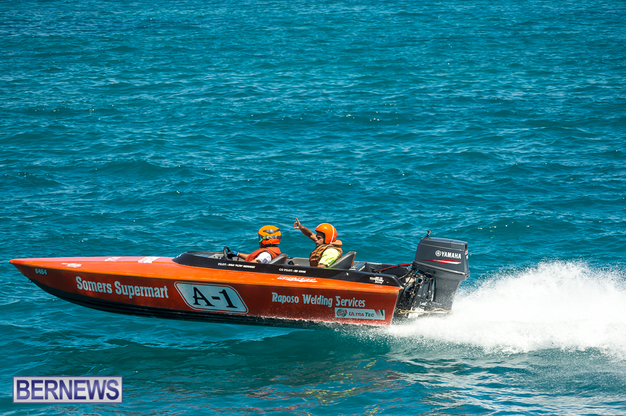 JM-2016-Around-the-Island-powerboat-race-43