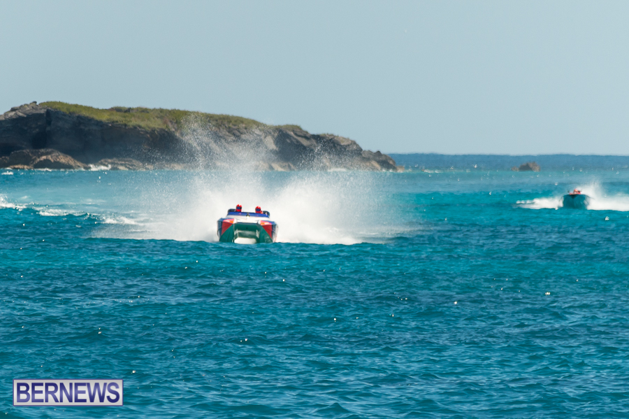 JM-2016-Around-the-Island-powerboat-race-45