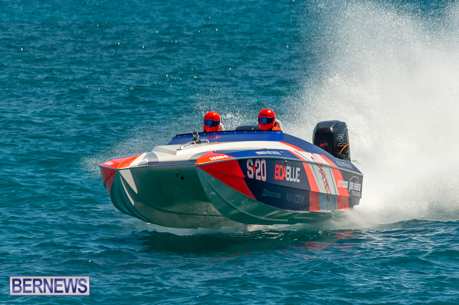 JM-2016-Around-the-Island-powerboat-race-54