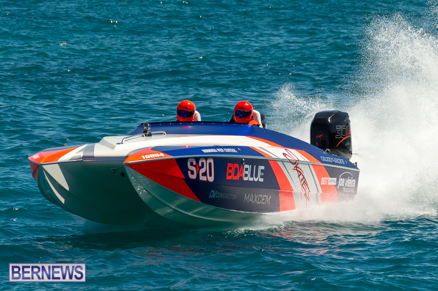 JM-2016-Around-the-Island-powerboat-race-57