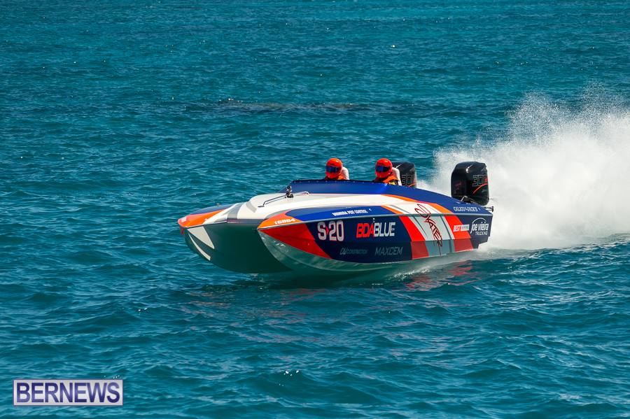 JM-2016-Around-the-Island-powerboat-race-59