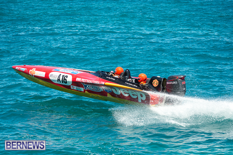 JM-2016-Around-the-Island-powerboat-race-7