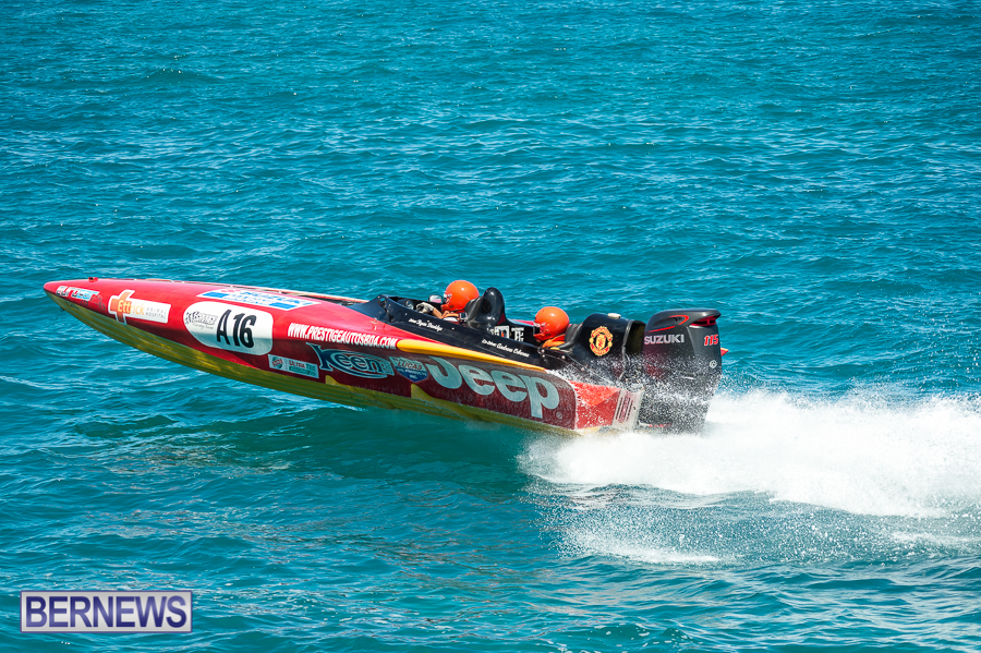 JM-2016-Around-the-Island-powerboat-race-8