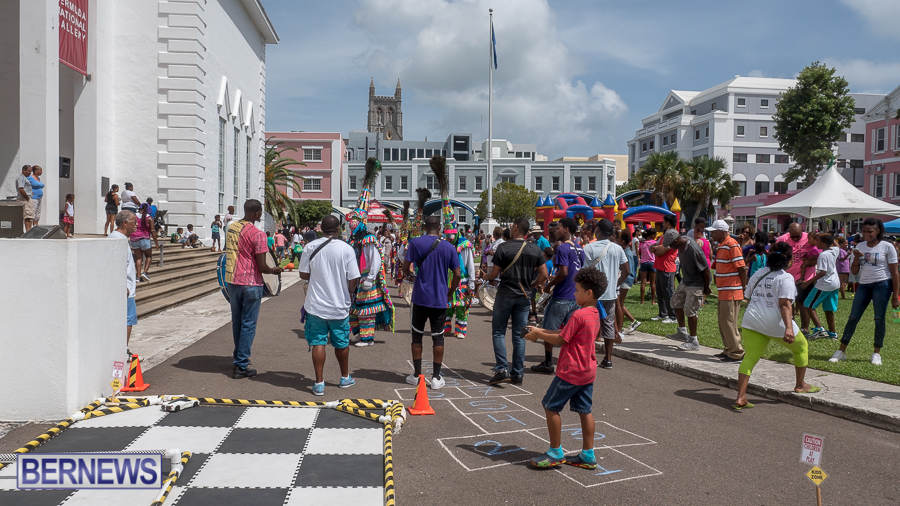 2016-Sept-CoH-Back-to-School-Fun-Day-Bermuda-JM-1