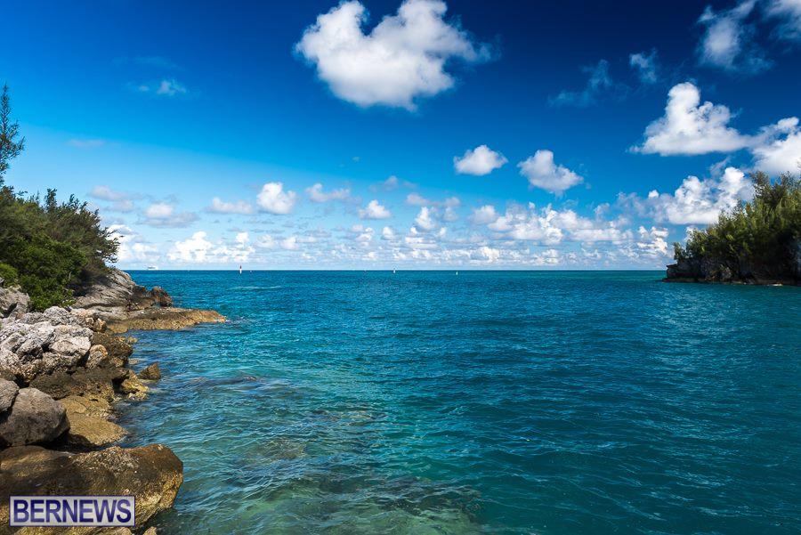 407 East End Sea Bermuda Generic September 2016 01