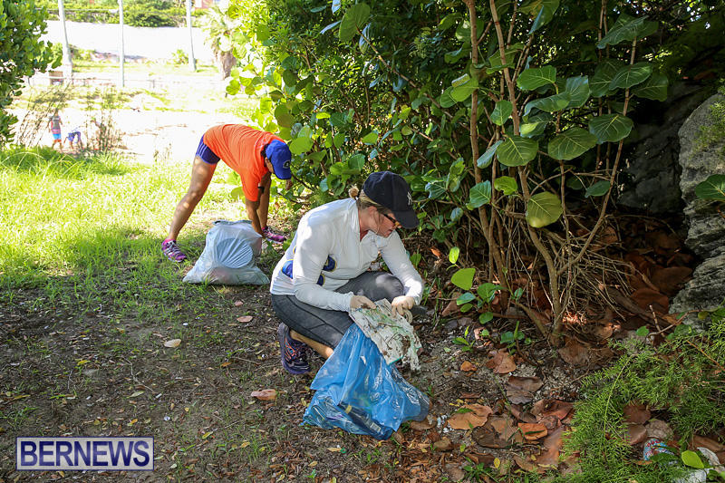 EY-Coastal-Clean-Up-Bermuda-September-17-2016-14