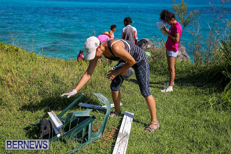 EY-Coastal-Clean-Up-Bermuda-September-17-2016-20