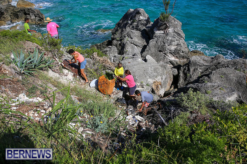 EY-Coastal-Clean-Up-Bermuda-September-17-2016-25