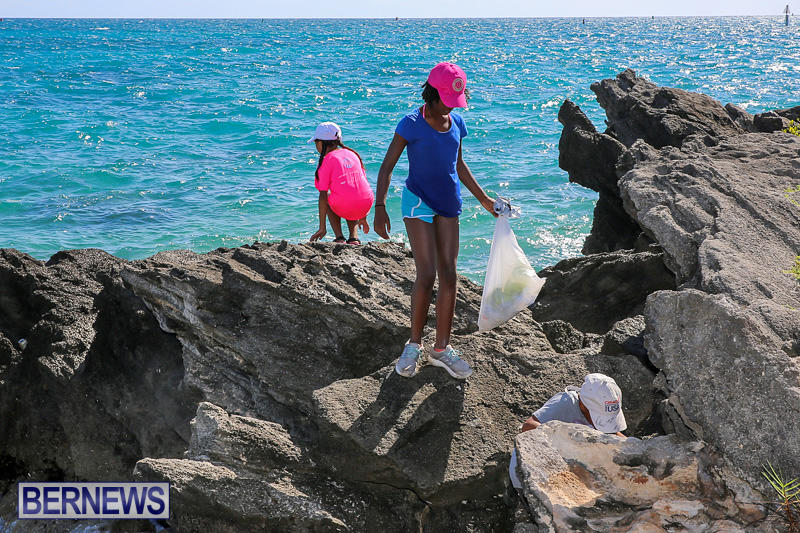 EY-Coastal-Clean-Up-Bermuda-September-17-2016-27
