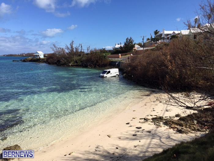 4-van in water sandys bermuda oct 16 (5)b
