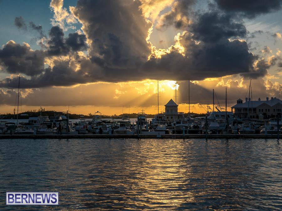 302 sunset ver the City of Hamilton Bermuda Generic Nov 2016