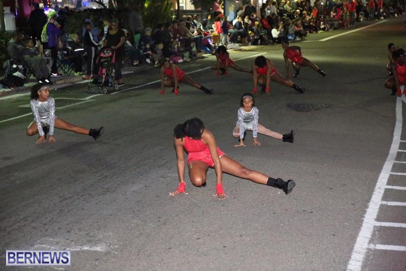 61-2016-Bermuda-Marketplace-Santa-Claus-Parade-65