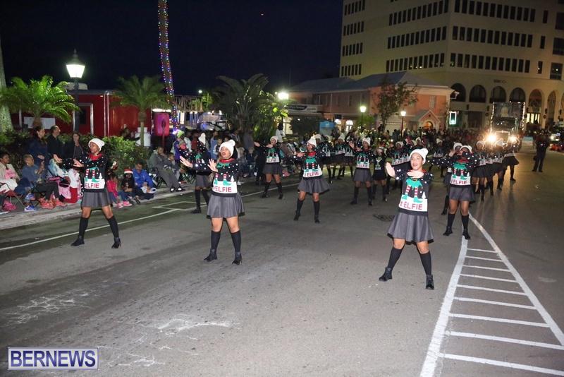 64-2016-Bermuda-Marketplace-Santa-Claus-Parade-68
