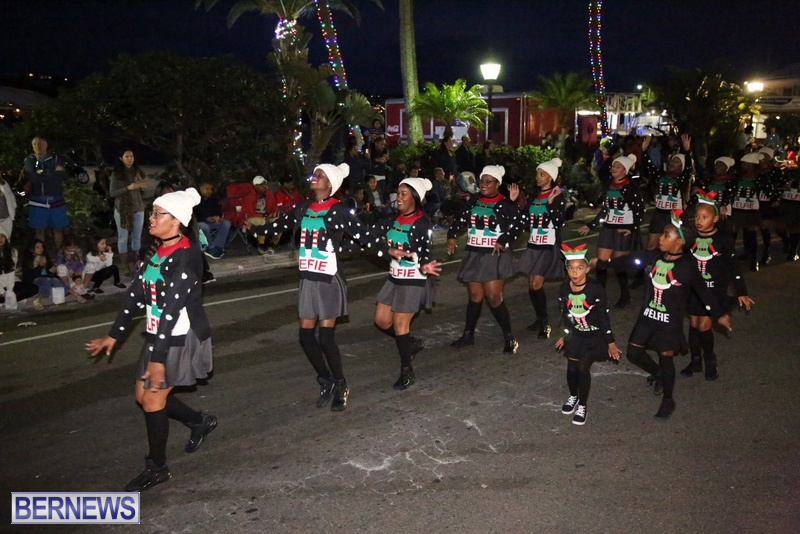 65-2016-Bermuda-Marketplace-Santa-Claus-Parade-69