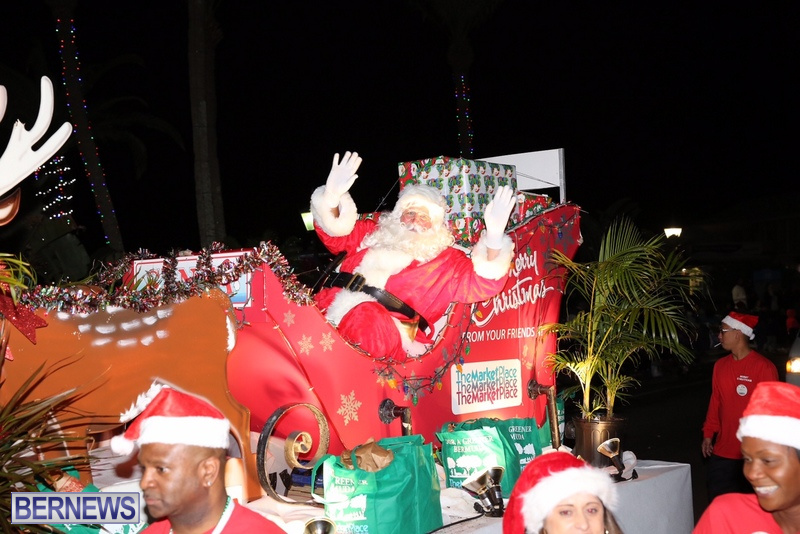 82-2016-Bermuda-Marketplace-Santa-Claus-Parade-1