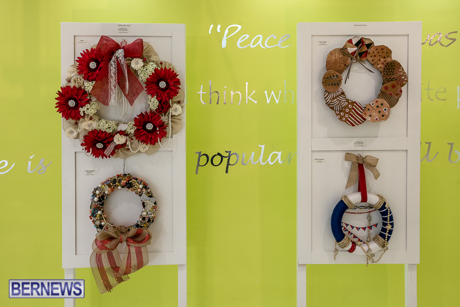 Holiday-Wreath-Show-For-Charity-Bermuda-Nov-19-2015-3