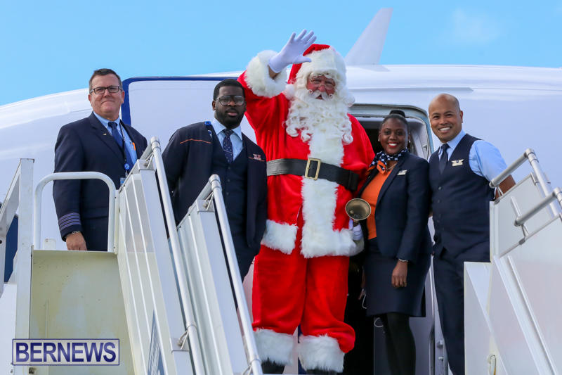 Santa-Arrives-In-Bermuda-November-25-2016-1