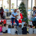 Santa Arrives In Bermuda, November 25 2016-38
