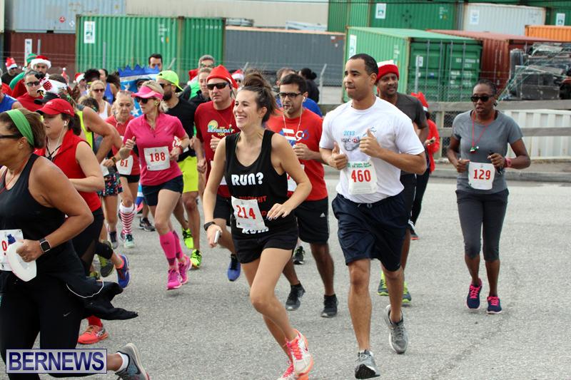 BAC-Jingle-Bell-5K-Road-Race-Bermuda-Dec-11-2016-14