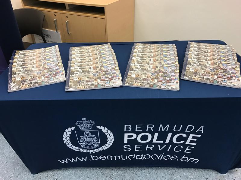BPS Crime Stoppers Bermuda 20th Anniversary Book Presentation Dec 2016 (2)